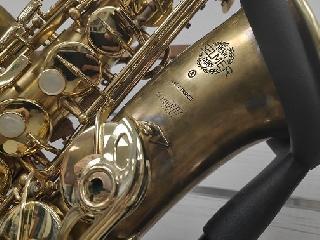Dévernissage et patine réalisés sur Saxophone alto Selmer SIII